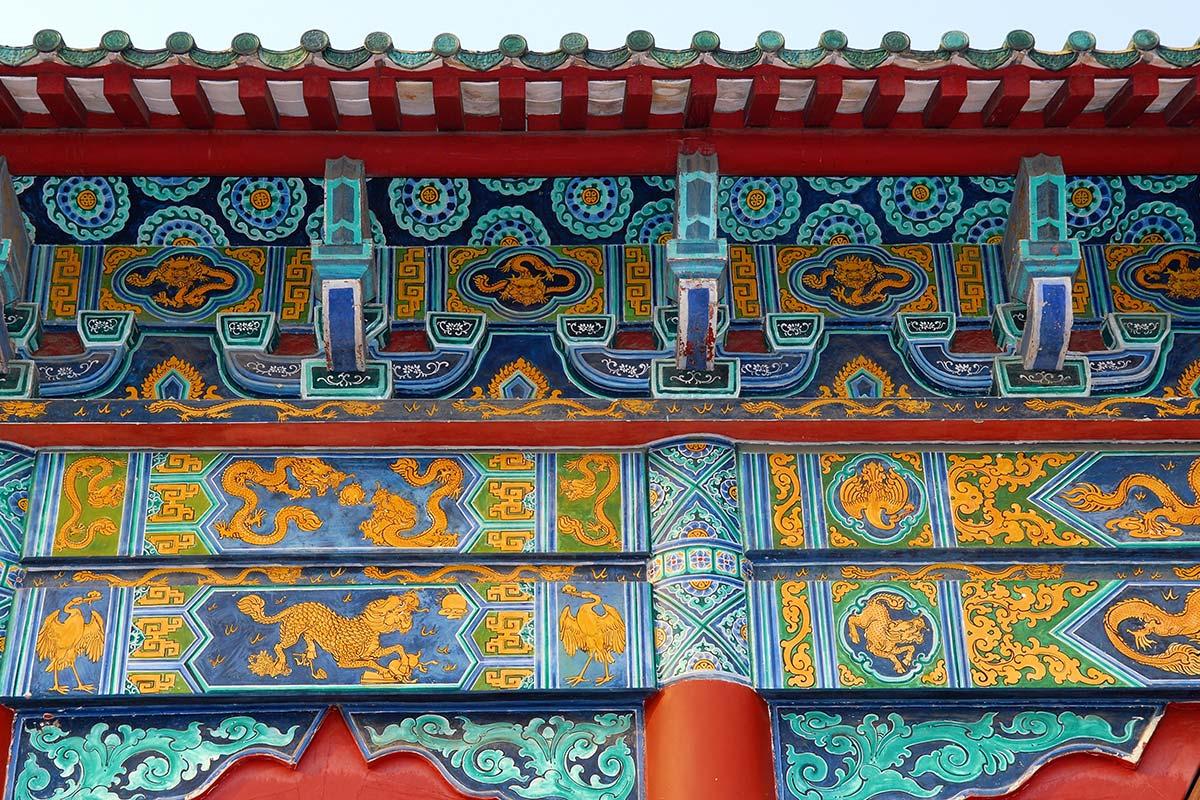 龍と鳳凰と麒麟の装飾