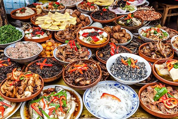 中国語会話-大量の料理